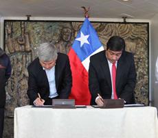 firma-convenio-ide-chile-230